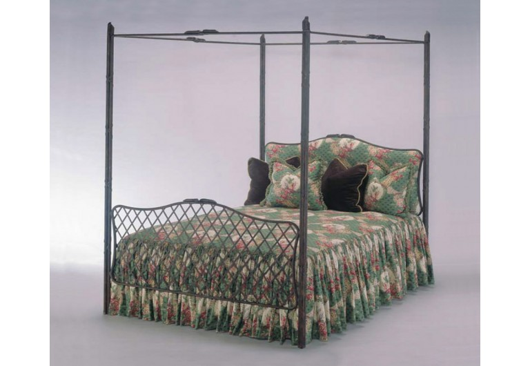 Sovereign Canioy Bed