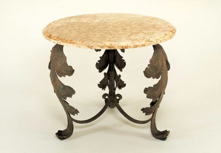 Willow Focal Table