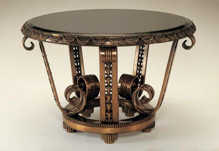 Cordon Focal Table