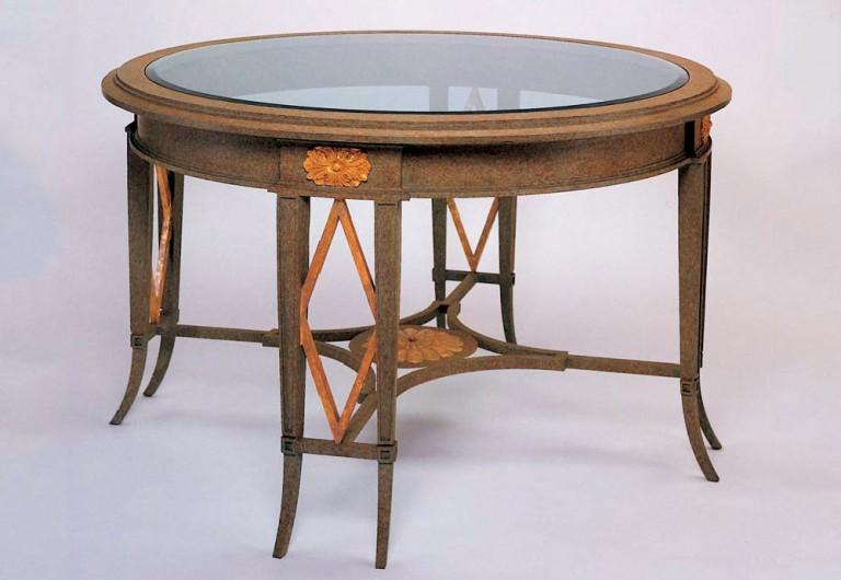 Tiara Focal Table