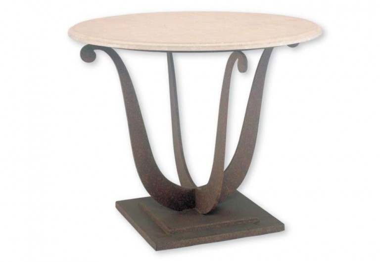 Lily Focal Table