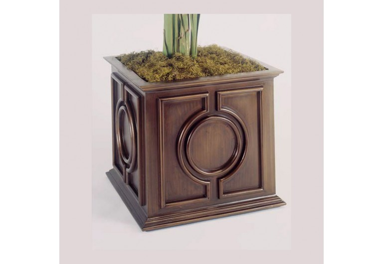 Getty Cast Planter — Large