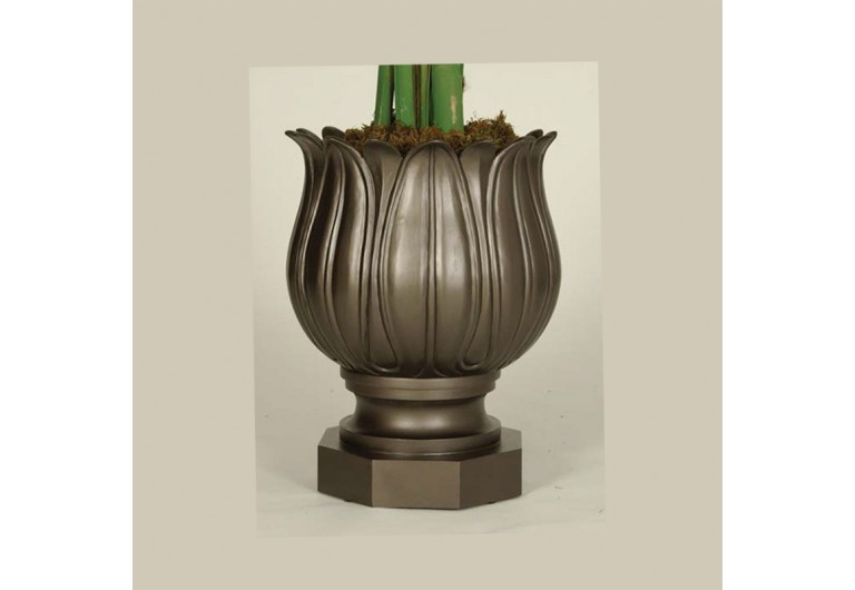Palisades Cast Planter