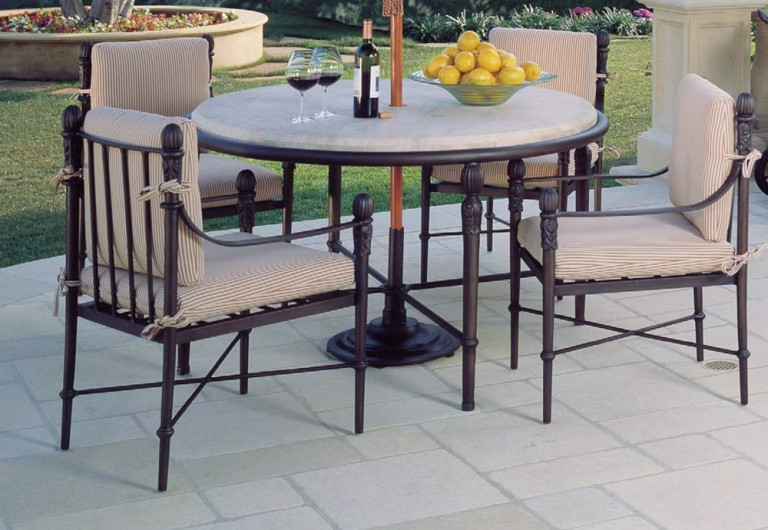 Concord Pedestal Dining Table W/ Umbrella Hole