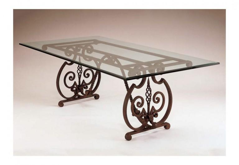 Palacio Dining Table