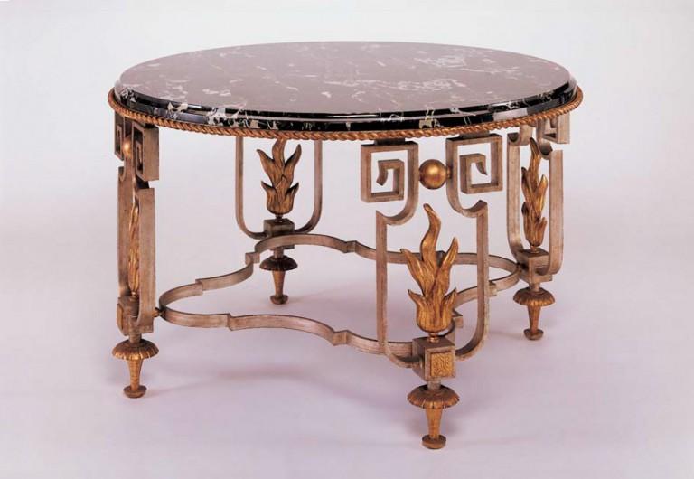 Eclair Focal Table